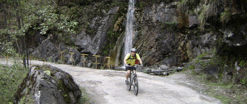 Cycling in India, India Cycling Tour, Cycling Holiday in India, Cycling Tours in india, Rajasthan Cycling Tours, South India Cycling Tours, North East Cycling Tours, Ladakh Cycling Tours, Uttarakhand Cycling Tours, Himachal Cycling Tours, Kerala Cycling Tours, Ladakh Cycling Tours, Goa Cycling Tours, Coastal Trails Cycling Tours, Cycling Tours Through Central Kerala, Biking Holidays in India, Mountain Biking in India, Adventure Cycling Tour